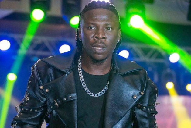 Stonebwoy Ft Richie Stephens – Black Cinderella mp3 download